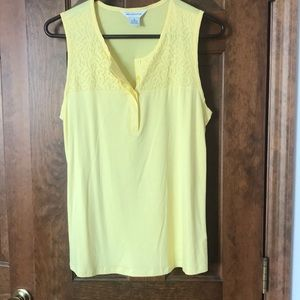 Liz Claiborne sleeveless women's shirt (m) yellow.